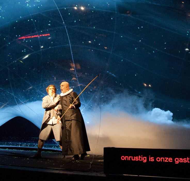 Scene from Peter-Jan Wageman's opera Legende (Legend)(© 2011 DNO-Marco Borgggreve)